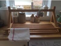 Wooden shelf with pegs for mugs towel rail £5