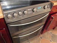 Hotpoint 3 working halogen rings, double oven