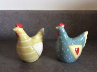 Novelty Chicken and cockerel salt and pepper pots. £8 ono