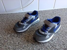 Boys Nike Air Max UK Size 12