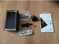 Samsung Galaxy S5 (SM-G900F) Black 16GB (32GB in total) + Extras, Unlocked to all networks.