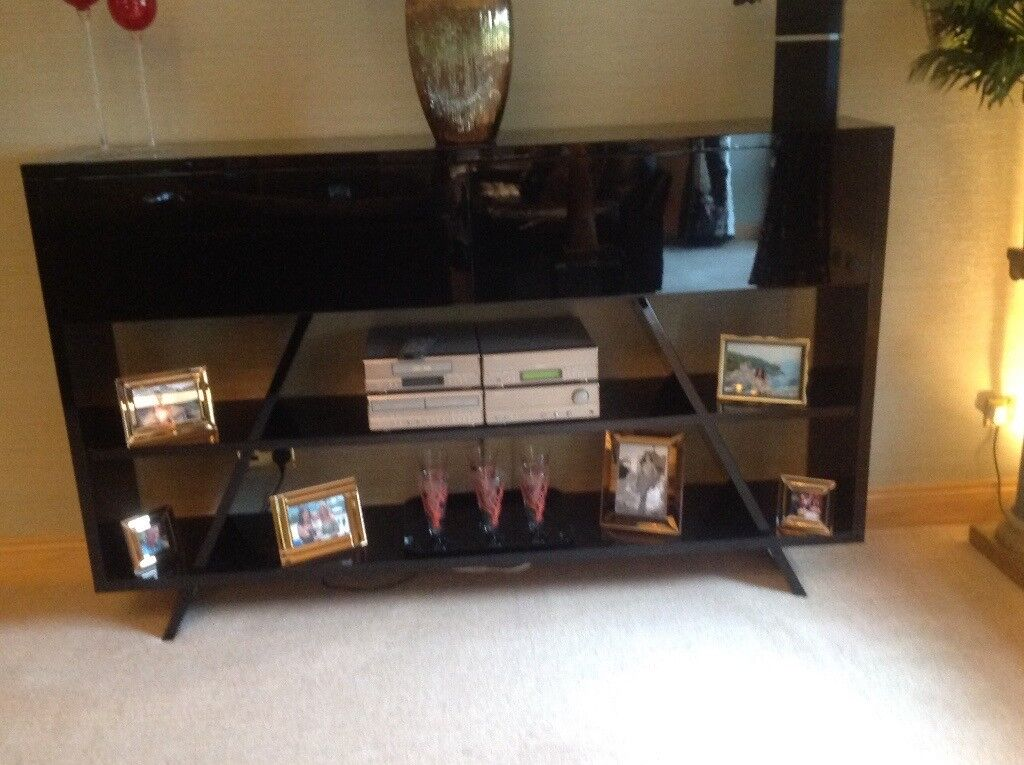 BLACK GLOSS WALL UNIT PERFECT CONDITION