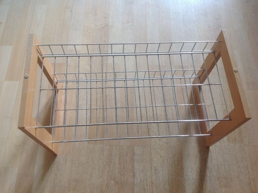 Shoe standin Basingstoke, HampshireGumtree - Shoe stand can hold up to 6 pairs of shoes. You can also use this as book shelf.. Collection possible from near the Basingstoke station .. must be collected by 06/05