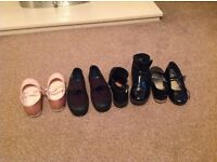 Girls size 1 bag of shoes