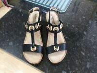 Ladies size 6 sandals