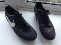 Nike football boots excellent condition size 9 £10 tel 07966921804