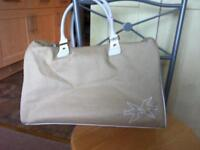 Cream hold-all or sports bag in vgc