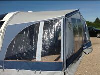 Isabella Caravan Awning 925 Zenith Lux Excellent Condition CarbonX Curtains Room Divider