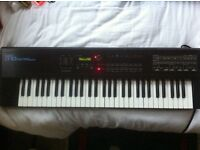 Roland D-10 Synthesizer
