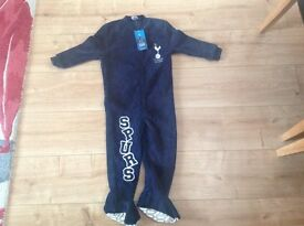 Tottenham hot spurs onesie, age 3-4
