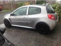 Renault Clio 197 Cup in silver 2009 service history. New car forces sale.
