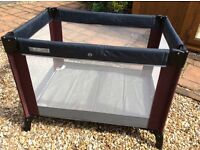 Travel cot , mama and papa , excellent condition