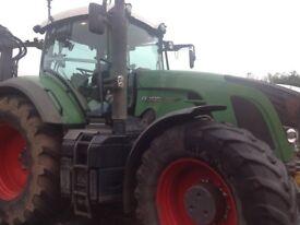 Fendt 930 Profi Tractor and Jenz HEM581 Z Chipper