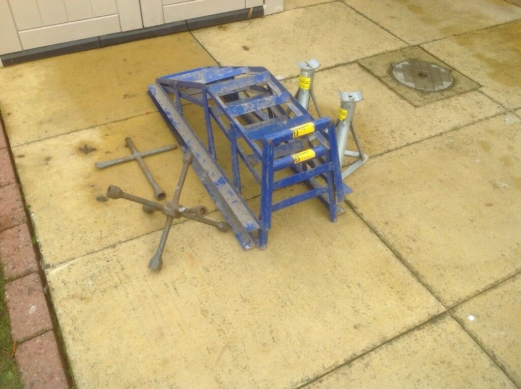 Car /van ramps heavy duty with axle stands to match