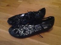 Sandals shoes new