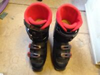 Nordica ski boots black red approx sise adult 8 skiing