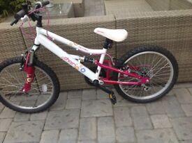 "Halfords Apollo Charm girls bike 20"""