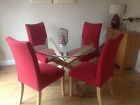 Must be seen Modern oak & glass dining table, with 4 matching chairs, red & oak non smoking home