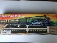 HORNBY TRAIN SET TEES TYNE PULLMAN R770
