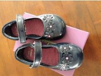 Clarks_ Girls Trixi Beth Infant light up shoe_size 8H
