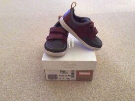 Hardly worn Clarks Boys Infant shoes size 6G
