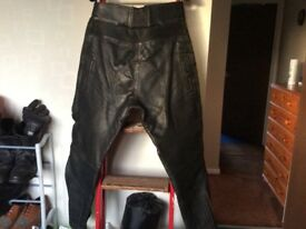 LEATHER MOTORCYCLE AKITO TROUSERS SIZE 38 GOOD USED CONDITION