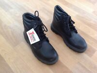 Toesavers - Steel Tow Work Boots. Size 7