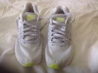 Size 7 ladies Nike Trainers