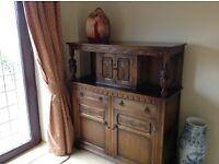 Old Charm oak dresser. 127 cm x 50 cm x 149 cm high.