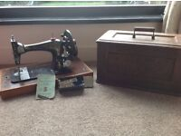 Antique singer sewing machine in great condition
