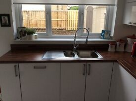 Stainless Steel sink 1 1/2 bowls