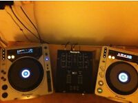 Pioneer cdjs mk1 & mk2 & Numark 2 channel mixer ( with amp & speakers & all cables ) job lot !!
