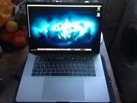 MacBook Pro 15 inch touch bar Space Grey 256GB, 16GB RAM + accessories