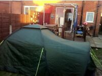 Tent 2-4 man birth (AVON) excellent condition. Missing ground pegs