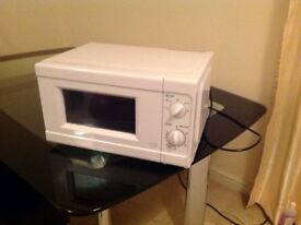 Simple Value 700W Standard Microwave MM717CNF - White