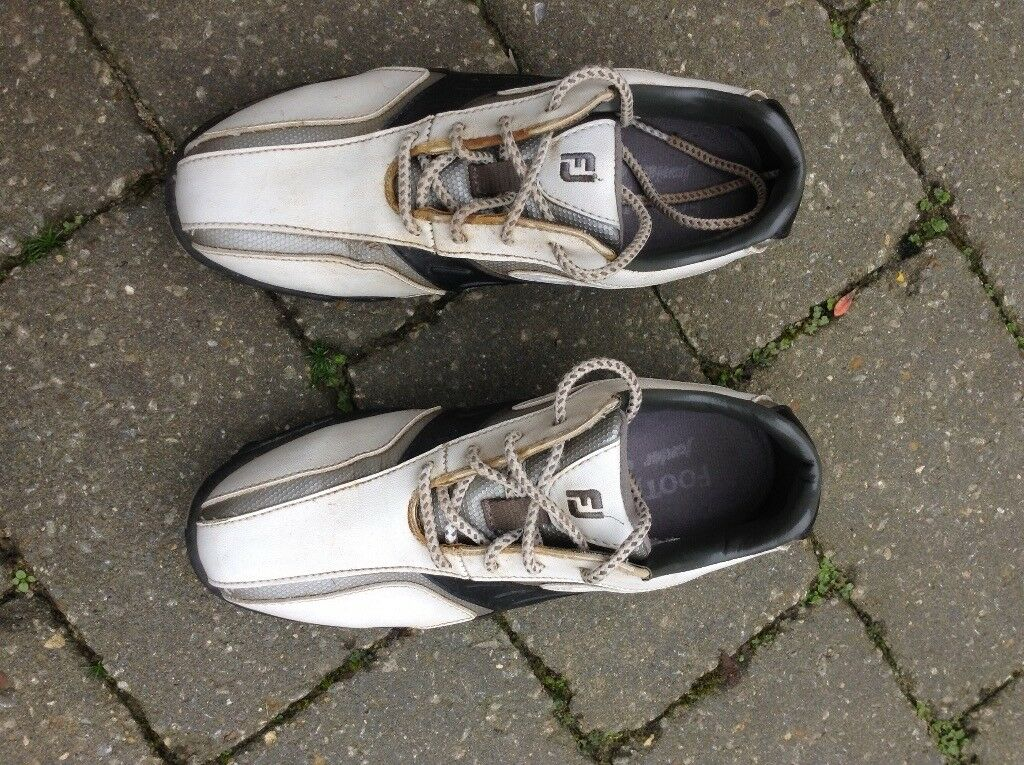 Golf shoes, FootJoy, size UK 2, white, great condition.