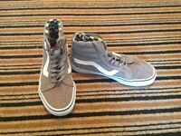 Vans high tops size 6 unisex