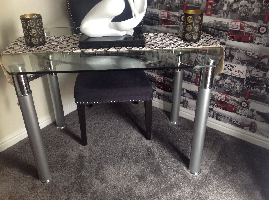 GLASS DINING TABLE WITH 2 CHAIRS