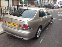 Lexus IS 200 gold colour 2004 model 4 doors salon SPOT