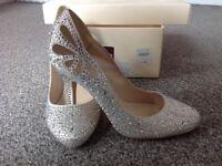 Jenny packham ivory shoes size 5