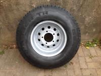 LAND-ROVER WHEEL AND TYRE