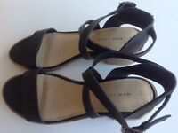 Ladies New Look Black Heeled Sandals UK4