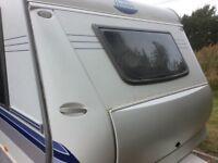 HOBBY PRESTIGE 635 SMF U.K. SPECIAL LIGHTWEIGHT 1900kg L. 23 ft 2006 TWIN-AXLE 5 BERTH FIXED BED