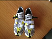 Men's Exustar road shoes size 44 (UK 9), used condition.