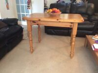 A lovely pine table in good condition