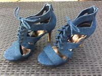 High heels Size UK4.