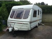 SWIFT Challenger Luxury 4 berth caravan 440/4 SE with fitted remote control mover