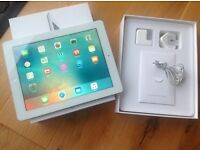 iPad 3 very good condition with box and charger