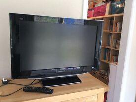 """Panasonic 32"""" LCD TV"""