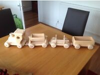 Wood child Train with 3 wagons